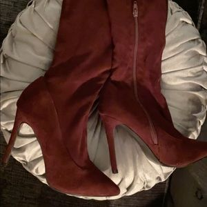 Just Fab - Burgundy/Wine colores heeled boots